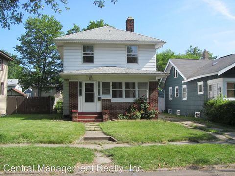 Photo of 921 E Donald St, South Bend, IN 46613