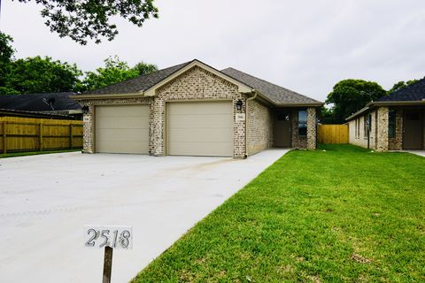 Photo of 2518 Avenue H Ste A, Nederland, TX 77627