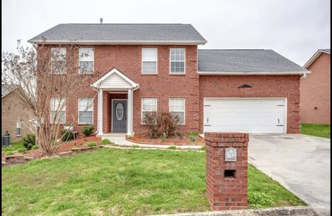 Photo of 6717 Casa Bella Dr, Knoxville, TN 37918