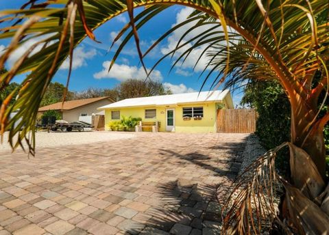 Photo of 104 1st Ter, Key Largo, FL 33037