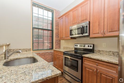 Photo of 64 Beacon St, Worcester, MA 01608