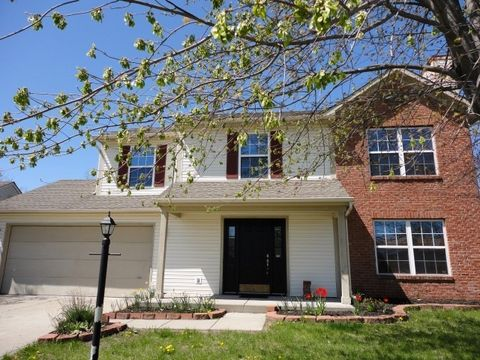 Photo of 8426 Southern Springs Dr, Indianapolis, IN 46237