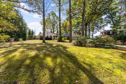 Photo of 6121 River Dr, Lorton, VA 22079
