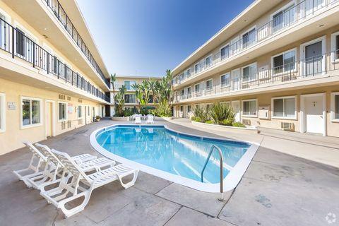 10338-10342 Lindley Ave, Northridge, CA 91326