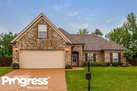 Photo of 3620 Harvest Tree Dr, Southaven, MS 38672