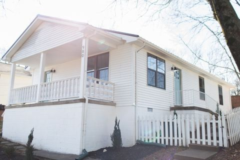 Photo of 980 Marion St, Clarksville, TN 37040