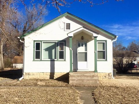 Photo of 224 W 13th St, Junction City, KS 66441